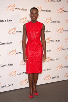 Lupita Nyong'o in Elie Saab @ the 12 years a slave Paris premiere