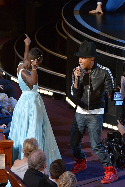 Pharell-Lupita-Vogue-3March14-PA_b_426x639