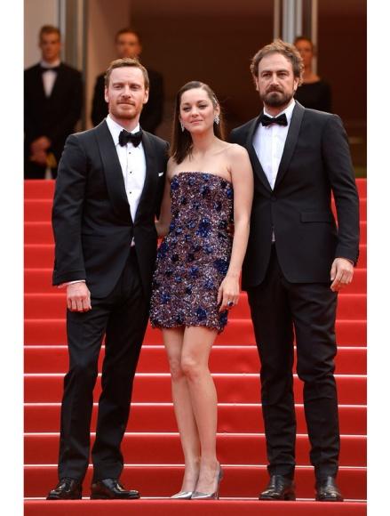 Michael Fassbender et Marion Cotillard accompagnés de Justin Kruzel, le réalisateur de Macbeth
